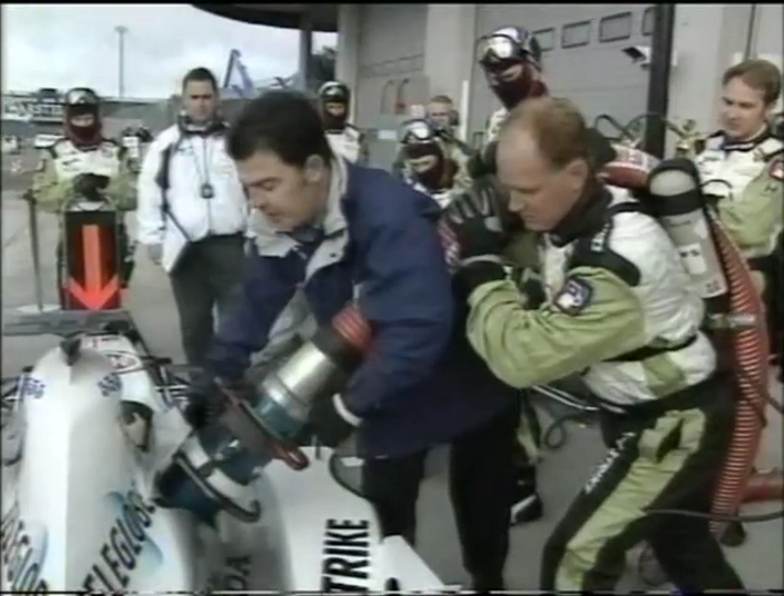 2000 European GP - refuelling.png